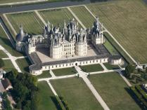 Château-de-Chambord-vue-du-ciel-à-1500-pieds.jpg