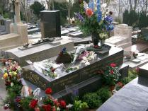 Cimetiere-du-pere-Lachaise-Tombeau_d'Edith_Piaf.jpg