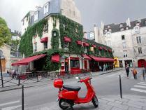 Marais_Rue_des_rosiers-2.jpg