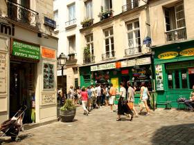 Marais_Rue_des_rosiers.jpg